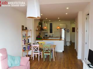 Reforma de un piso en l'Eixample de Barcelona: Comedores de estilo  de Adês. Arquitectura Interiorisme Disseny
