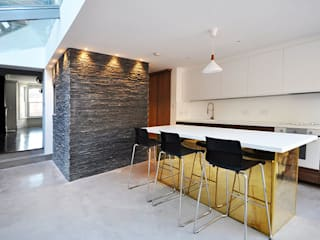 Bx(2+1x2)+Ex(1+1x2): modern Kitchen by Space Group Architects