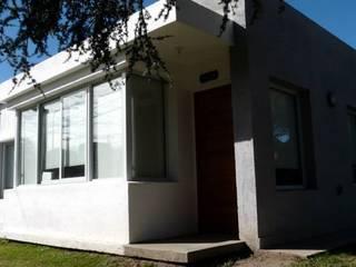 Casa 2 de muñoz bunteh arquitectos Moderno
