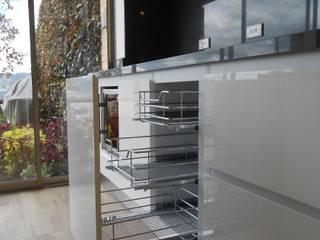 Bogotá. Sindamanoy: Cocinas integrales de estilo  por Proyectos Modulares, Moderno Aglomerado