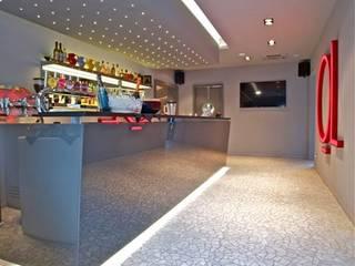 ALMA DESIGN Bars & clubs modernes