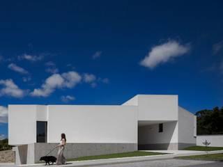 Casa Brunhais: Casas unifamilares  por Rui Vieira Oliveira Arquitecto