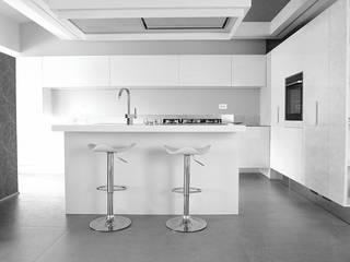 D'E&F apartment Cucina moderna di Studio ARCHEXTE' _ Vincenzo Castaldi Architetto Moderno
