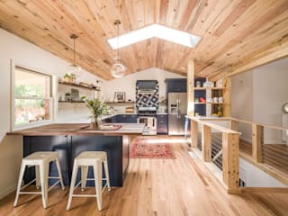 Renovated Ranch Kitchen as seen on HGTV: rustic  by Laura Medicus Interiors, Rustic