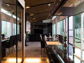 Modern Kitchen by 納得住宅工房株式会社 Nattoku Jutaku Kobo.,Co.Ltd. Modern