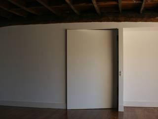 Tường & sàn phong cách hiện đại bởi Atelier 72 - Arquitetura, Lda Hiện đại