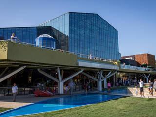 Centro Comercial Parklake por Urbiágua Moderno