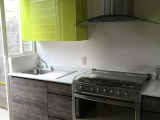 La Central Cocinas Integrales S.A de C.V KitchenCabinets & shelves