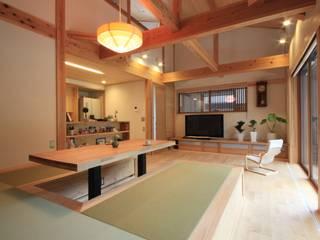 Ruang Keluarga Gaya Asia Oleh 田村建築設計工房 Asia