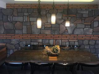 LIA Mimarlik İcmimarlik – Koç Evi Konut İç Mekan Tasarımı:  tarz Yemek Odası