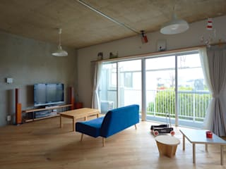 .8 / TENHACHI Living room
