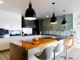 Casa Nochebuena Cocinas minimalistas de Dionne Arquitectos Minimalista