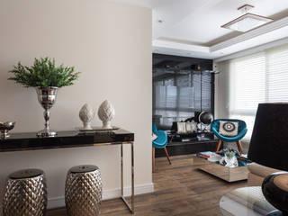 living azul turquesa e preto Salas de estar modernas por ABHP ARQUITETURA Moderno