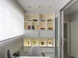 escritório - office Escritórios minimalistas por ABHP ARQUITETURA Minimalista