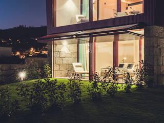 Quintãs Farm Houses : Casas de campo  por Júlio Caseiro - Arquitectura, Lda