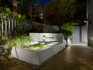 光影靜謐的庭園空間: 經典  by 大地工房景觀公司, 古典風