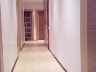 Modern Corridor, Hallway and Staircase by PLAN B Modern