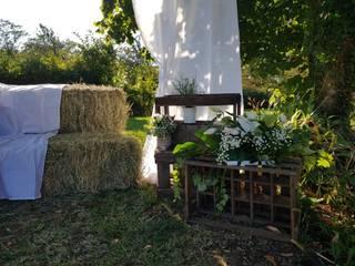 Un espace photos pour le mariage de Manon et Jérémy: Jardin de style  par CS Architecture d'intérieur