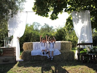 Un espace photos pour le mariage de Manon et Jérémy: Garage / Hangar de style  par CS Architecture d'intérieur