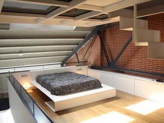 Loft Sucre A4: Dormitorios de estilo  de ESTUDIO DE CREACIÓN JOSEP CANO, S.L.,