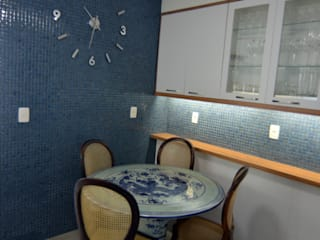 Projeto e gerenciamento reforma apartamento casal : Cozinhas  por dck arquitetos