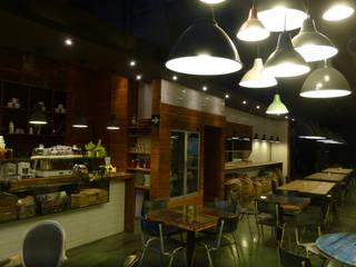 Valkyria Hub Space: Locales gastronómicos de estilo  de ESTUDIO DE CREACIÓN JOSEP CANO, S.L.,