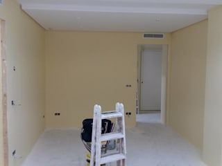 Pintura marfil Dormitorios de estilo tropical de carjaresa Tropical