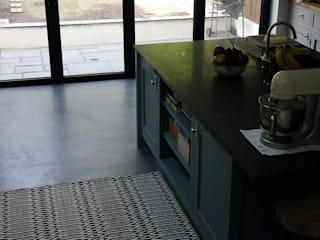 Kitchen Floor in North London de Decora Cement Clásico