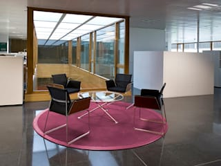 Modern Corridor, Hallway and Staircase by DosiCreatius Modern