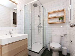 Modern bathroom by Masquepintura Modern Tiles