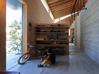 玄関: ㈱ライフ建築設計事務所が手掛けた廊下 & 玄関です。