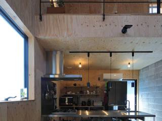 Cocinas de estilo moderno de ㈱ライフ建築設計事務所 Moderno