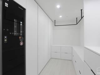 홍예디자인 Closets de estilo moderno