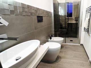 Bagno per gli ospiti : Bagno in stile  di Rosa Gorgoglione Architetto