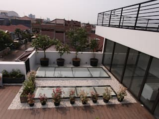 Rooftop 1:  Atap by ARAT Design