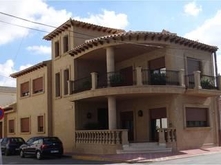 Construcción y diseño de interiores de casa en Daya Nueva (Alicante) de Asun Montoya Estudio Interiorismo Clásico