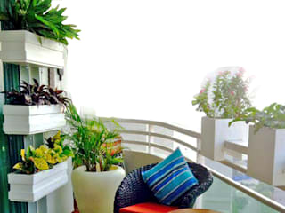 Balcony Garden in DLF 5, Gurugram Grecor 地板