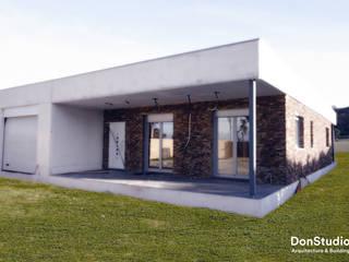 Vivienda Finestrat: Casas de estilo  de DonStudio