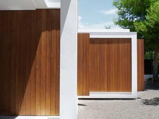 CALMM ARCHITECTURE Minimalist house Wood White
