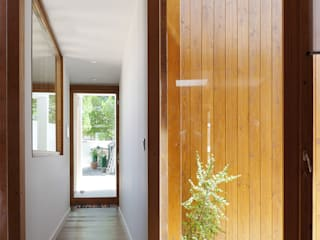 CALMM ARCHITECTURE Minimalist house Wood Wood effect