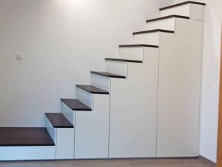 سیڑھیاں by Schreinerei & Innenausbau Fuchslocher