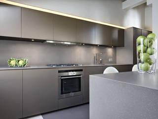 Appartamento Corso Cavour: Cucina in stile  di Gianfranco Sangalli Architetti, Minimalista