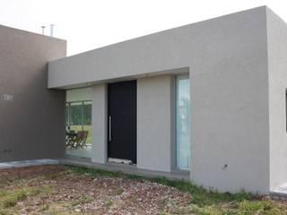 現代房屋設計點子、靈感 & 圖片 根據 Arquitectura Bur Zurita 現代風