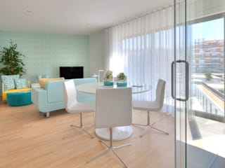 Estúdio Light Blue:   por EMME Atelier de Interiores