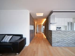 南本町の家リノベーション モダンスタイルの 玄関&廊下&階段 の 大塚高史建築設計事務所 モダン