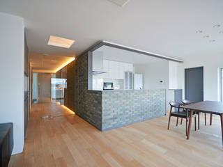 南本町の家リノベーション モダンな キッチン の 大塚高史建築設計事務所 モダン