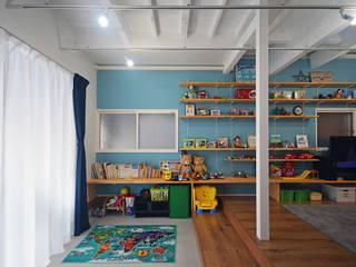 大塚高史建築設計事務所 Tropical style nursery/kid's room Turquoise