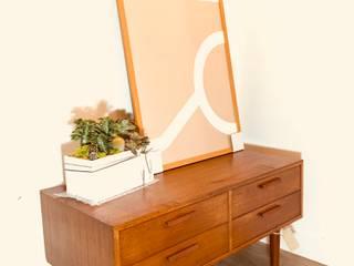 北歐柚木老件邊櫃系列:   by 北歐觀點老件家具專賣店