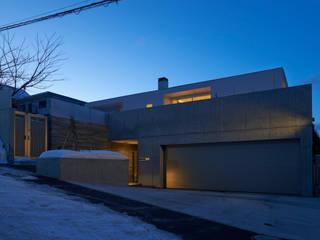 FSMR: アトリエモノゴト 一級建築士事務所が手掛けたガレージです。