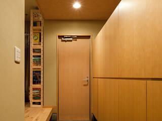 杉並の家: 小町建築設計事務所が手掛けた廊下 & 玄関です。,